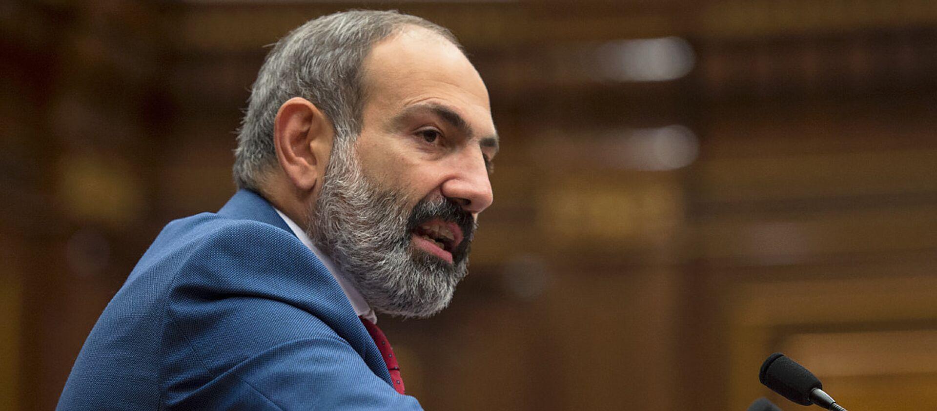 Премьер-министр Армении Никол Пашинян в Парламенте (7 июня 2018). Еревaн - Sputnik Грузия, 1920, 14.11.2020