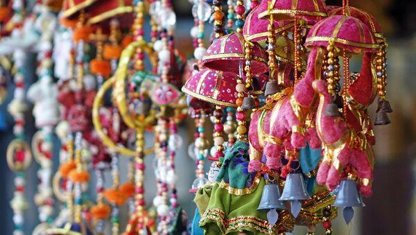 Индийские украшения на ярмарке - Sputnik Грузия