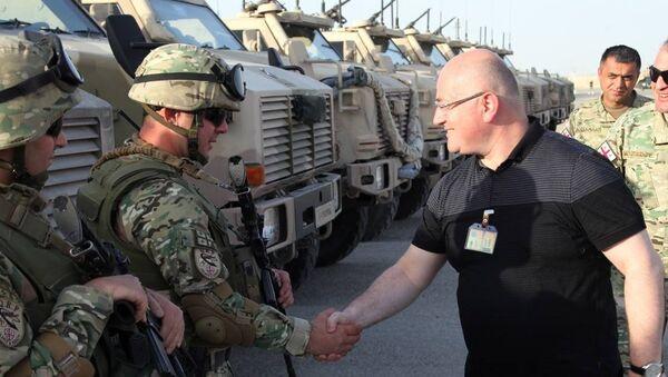 Министр обороны Грузии Леван Изория встретился с грузинскими военными в Афганистане - Sputnik Грузия