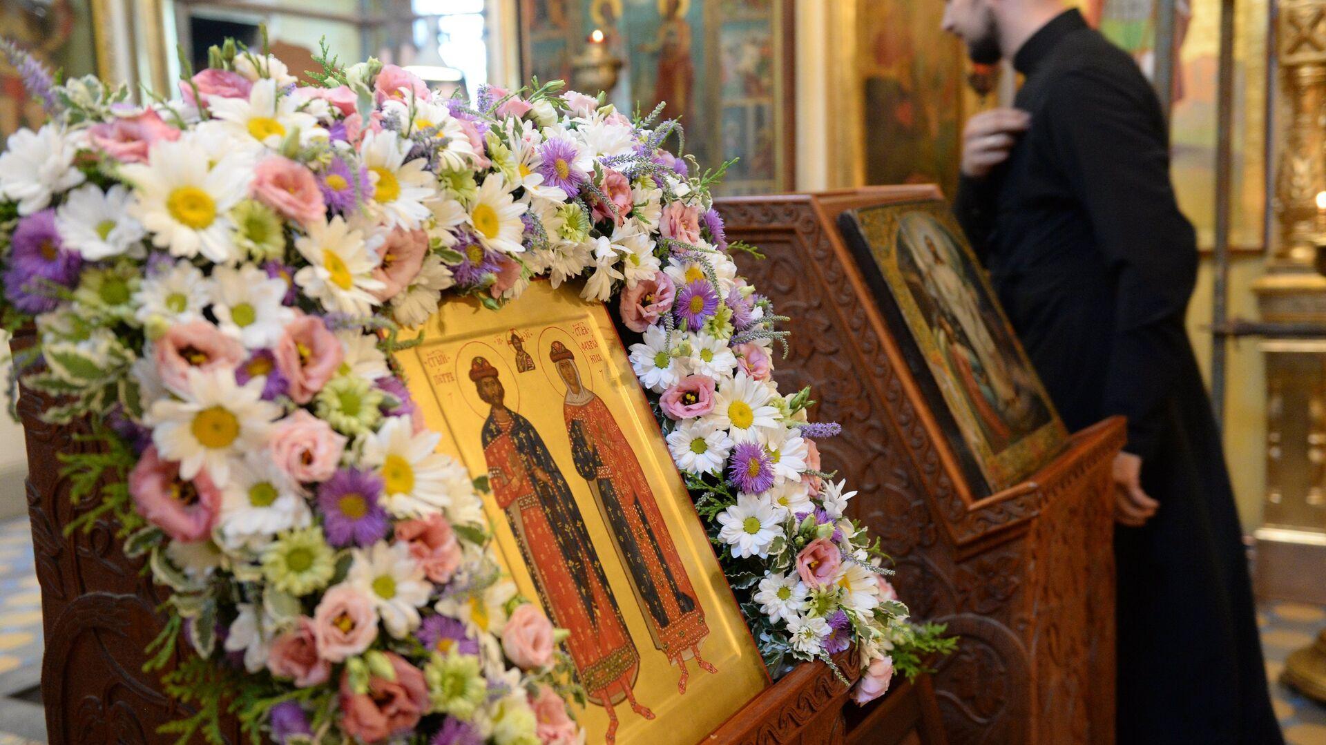 Православные иконы в церкви - Sputnik Грузия, 1920, 26.09.2021