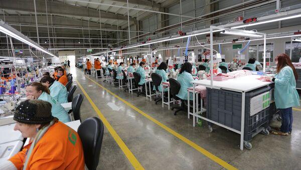 Пошивочный цех компании Ajara Textile - Sputnik Грузия