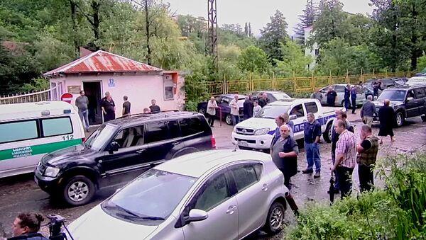 Взрыв на шахте в Ткибули: кадры с места ЧП - Sputnik Грузия