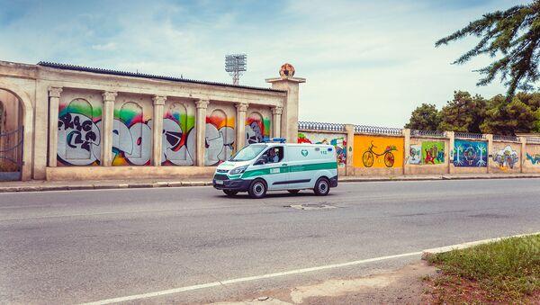 Машина скорой помощи на выезде в городе Рустави - Sputnik Грузия