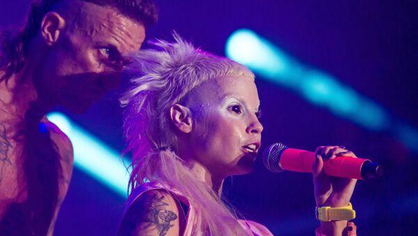 Вокалисты южноафриканской рэп-рейв-группы Die Antwoord - Sputnik Грузия