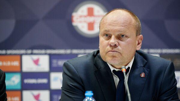 Главный тренер сборной Латвии по футболу Миксу Паателайнен на пресс-конференции - Sputnik Грузия