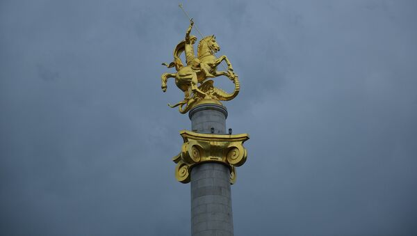 Памятник Святому Георгию на площади Свободы - Sputnik Грузия