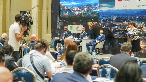 В Тбилиси проходит международная конференция по добыче и транспортировке нефти из Черноморского и Каспийского регионов - Sputnik Грузия