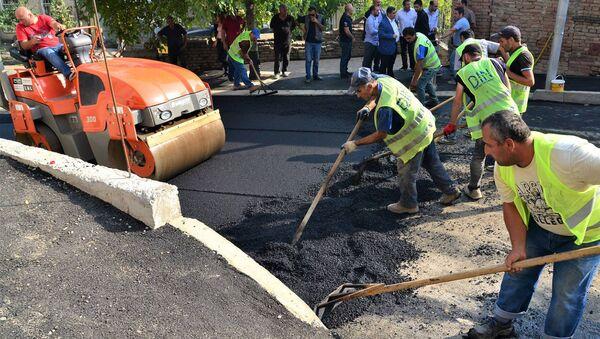Ремонт дорожного покрытия в Надзаладевском районе - Sputnik Грузия