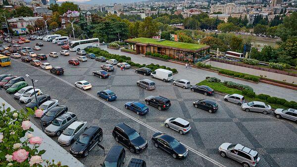 Площадь Революции Роз в центре Тбилиси и вид на город - Sputnik Грузия