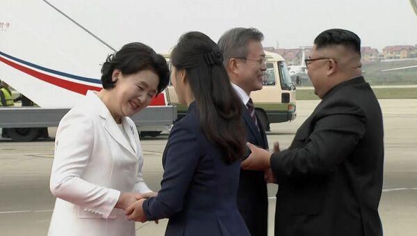 Как прошла новая встреча лидеров КНДР и Южной Кореи - Sputnik Грузия