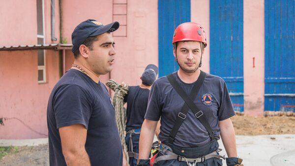 Репортер Sputnik меняет профессию: пожарный-спасатель - Sputnik Грузия