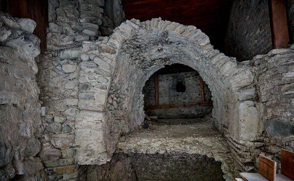 Колодец Святого Шио был вырыт им прямо у храма Иоанна Крестителя - Sputnik Грузия
