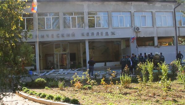 Неустановленное взрывное устройство сработало в среду днем в техникуме в Керчи  - Sputnik Грузия