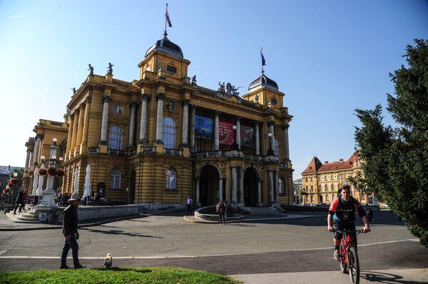 Хорватский национальный театр, расположенный в центре Загреба на площади маршала Тито, является не только архитектурной жемчужиной хорватской столицы, но и истинной Меккой для поклонников театрального искусства - Sputnik Грузия