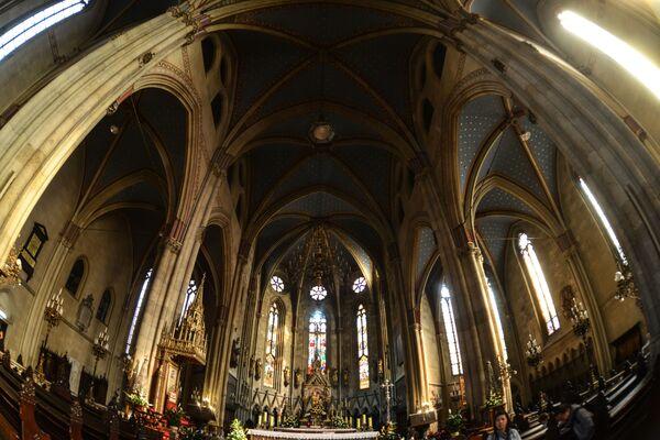 Загребский собор может по праву считаться символом города. В оригинале он носит название Собор Вознесения Девы Марии и святых Степана и Владислава. Этот католический собор принадлежит Загребской архиепрахии-митрополии, кафедре примаса Хорватии - Sputnik Грузия