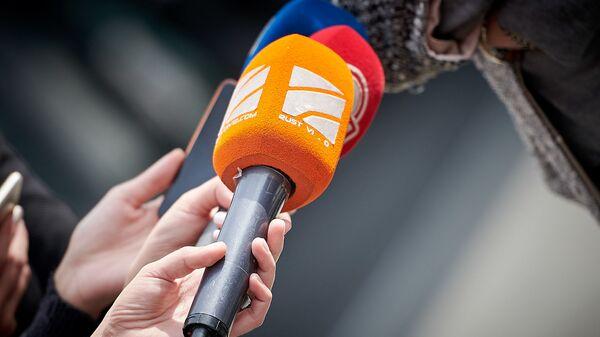 """ტელეკომპანია """"რუსთავი2""""-ის მიკროფონი - Sputnik საქართველო"""