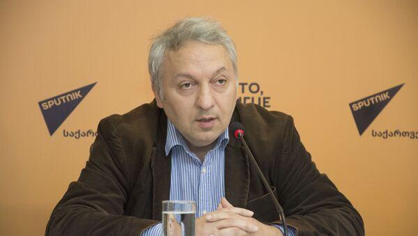 эксперт по международным вопросам - Васо КАПАНАДЗЕ - Sputnik Грузия