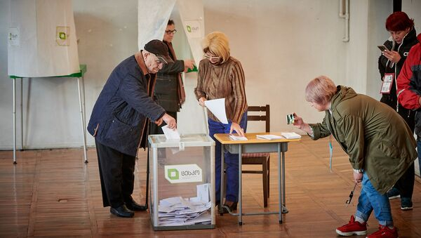 ამომრჩეველი საარჩევნო უბანზე - Sputnik საქართველო