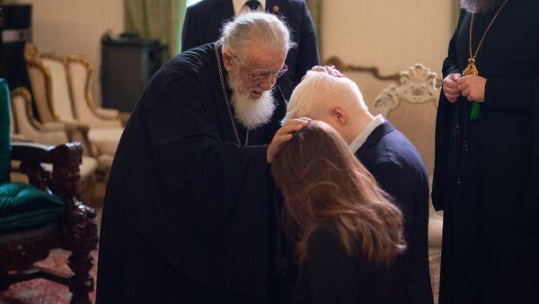 კათოლიკოს-პატრიარქმა ილია მეორემ ბერა ივანიშვილი და ნანუკა გუდავაძე დალოცა - Sputnik საქართველო