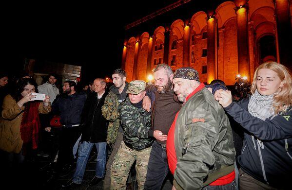 Заза Саралидзе уже объявил, что не собирается покидать территорию. В его поддержку НПО начали акцию Защитим палатками свободу - Sputnik Грузия