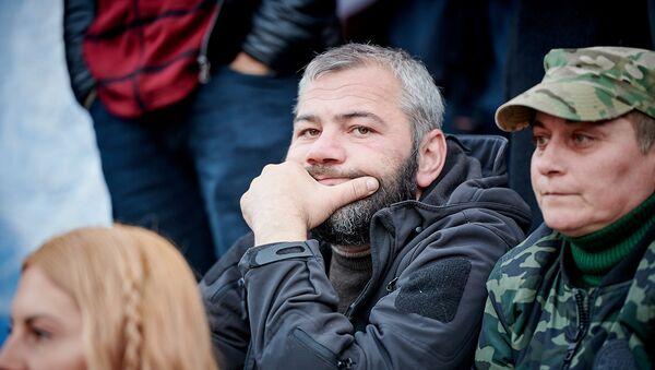 Заза Саралидзе на акции у парламента - Sputnik Грузия
