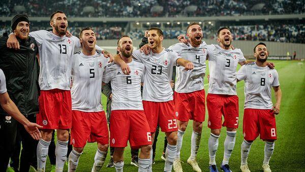 Матч между сборными Грузии и Казахстана по футболу в рамках Лиги наций УЕФА - грузинские футболисты радуются победе - Sputnik Грузия
