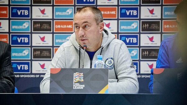 Станимир Стоилов на итоговой пресс-конференции - Sputnik Грузия