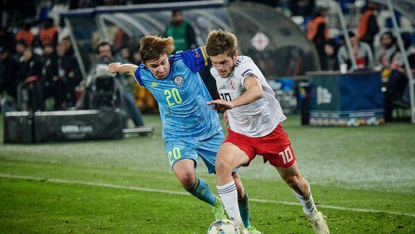 Матч между сборными Грузии и Казахстана по футболу в рамках Лиги наций УЕФА - Георгий Чакветадзе в атаке - Sputnik Грузия
