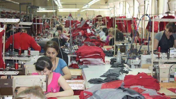 Фабрика по пошиву одежды - Sputnik Грузия