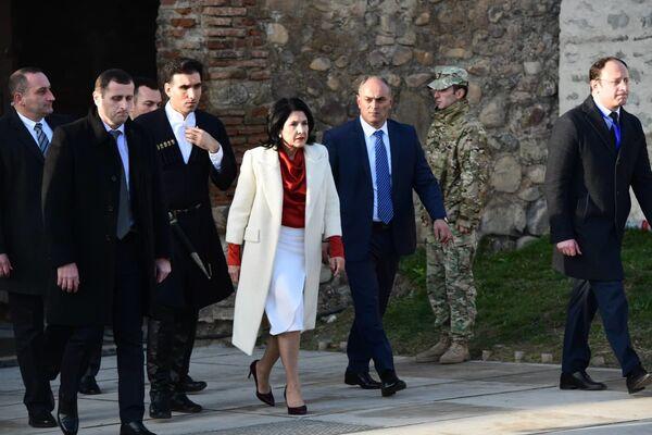 Возглавлять страну Зурабишвили будет шесть лет. Это предусмотрено обновленной Конституцией  - Sputnik Грузия