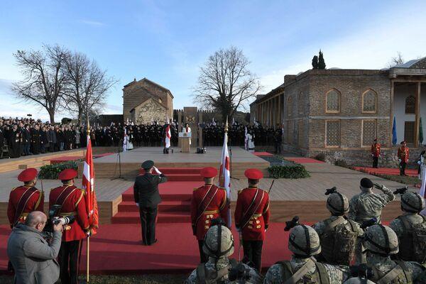 В воскресенье 16 декабря в крепости Батонис-цихе в городе Телави  состоялась торжественная церемония инаугурации Саломе Зурабишвили  - Sputnik Грузия