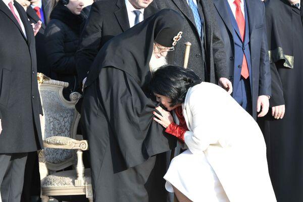 На почетной церемонии инаугурации присутствовал Католикос-Патриарх всея Грузии Илия II - Sputnik Грузия