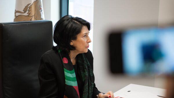 Саломе Зурабишвили осматривает новую резиденцию президента Грузии - Sputnik Грузия