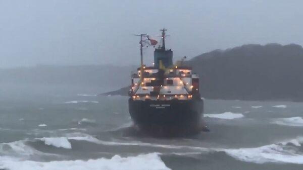 У берегов Британии село на мель российское судно - видео с места ЧП - Sputnik Грузия