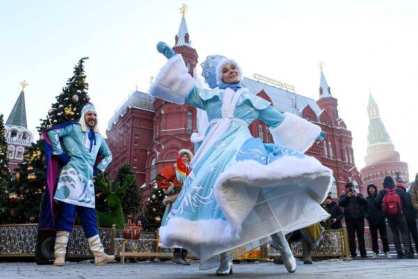 მსახიობები ფესტივალზე საშობაო მოგზაურობა მოსკოვში - Sputnik საქართველო