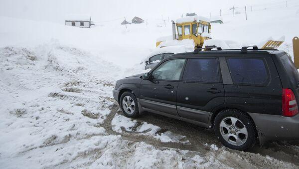 Перекрытая из-за снега военно-грузинская дорога  - Sputnik Грузия