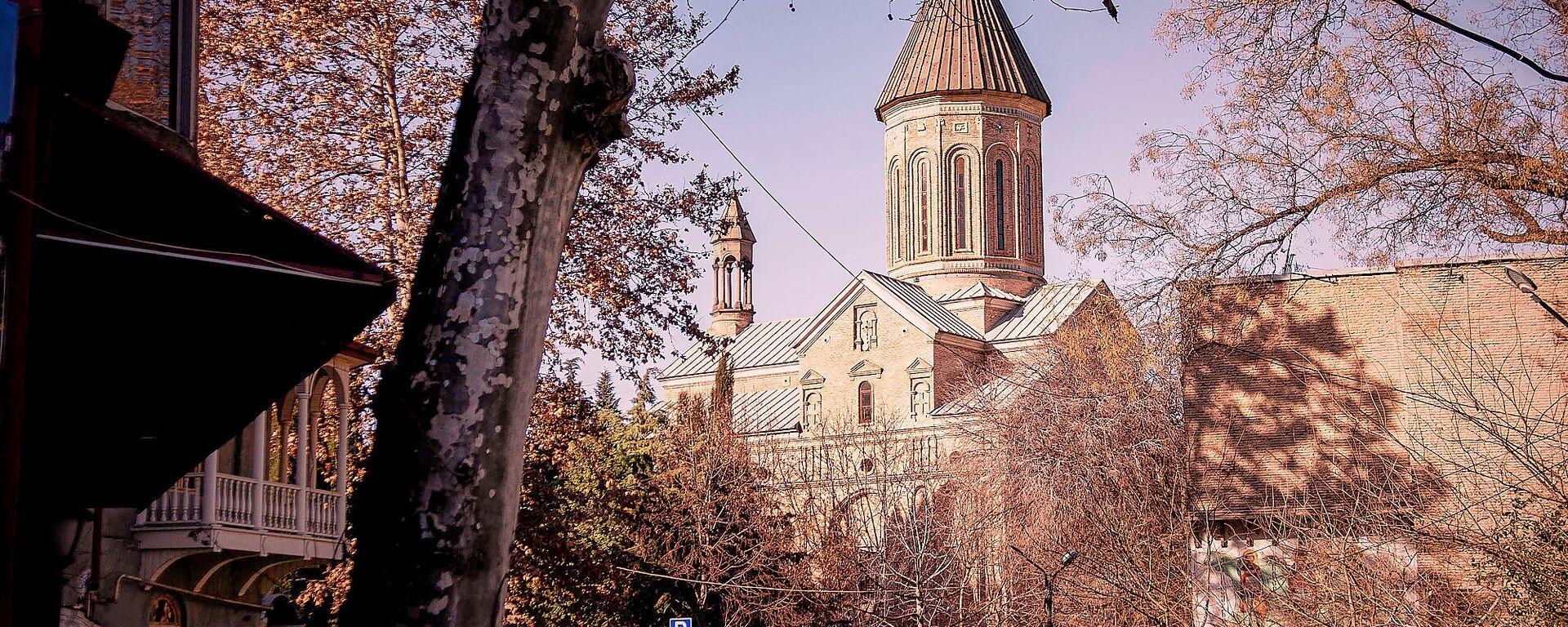 Мечеть, синагога и церкви в одном квартале - как в Тбилиси уживаются все религии - Sputnik Грузия, 1920, 20.01.2019