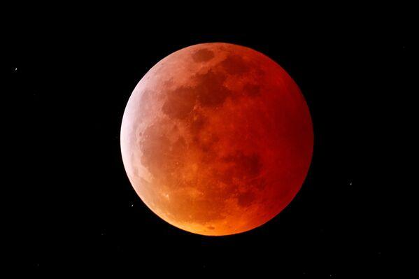 Полное лунное затмение в Калифорнии  - Sputnik Грузия