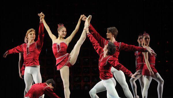 Сцена из балета Джорджа Баланчина - Sputnik Грузия