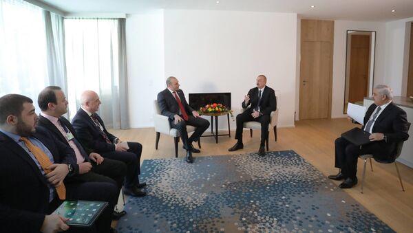 Премьер Грузии Мамука Бахтадзе и президент Азербайджана Ильхам Алиев  - Sputnik Грузия