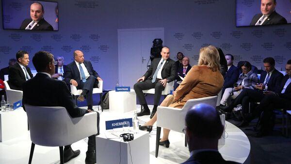 Премьер Грузии Мамуки Бахтадзе на Всемирном экономическом форуме в Давосе - Sputnik Грузия