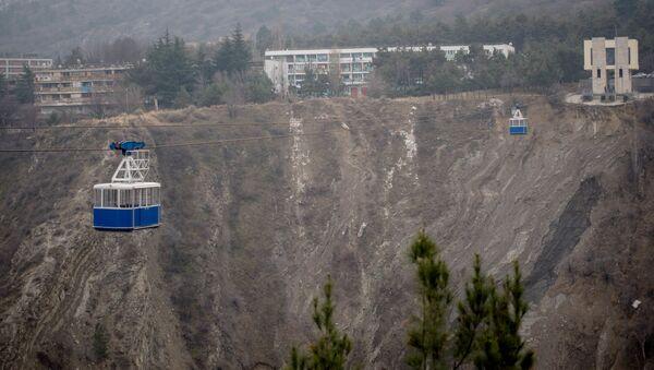 Канатная дорога от высотного здания Тбилисского государственного университета имени И. Джавахишвили до столичного района Багеби - Sputnik Грузия
