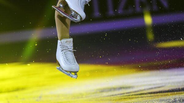 Коньки фигуристки Вивеки Линдфорс (Финляндия) во время показательных выступлений на чемпионате Европы по фигурному катанию в Минске - Sputnik Грузия