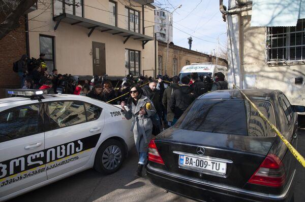 К месту происшествия были стянуты подразделения патрульной полиции и спасательной службы - Sputnik Грузия