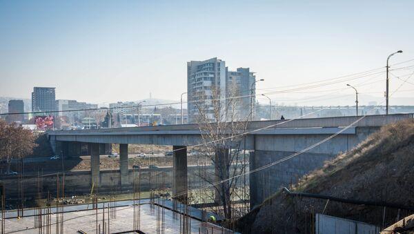 Реабилитация моста Вахушти Багратиони - как идет ремонт в центре Тбилиси - Sputnik Грузия