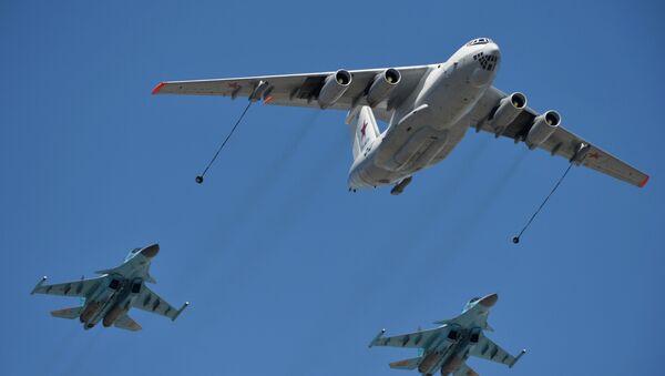 Самолёт-заправщик Ил-78 и истребители-бомбардировщики Су-34 - Sputnik Грузия