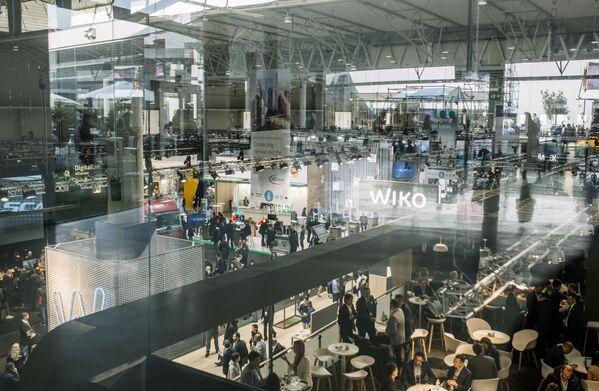 Mobile World Congress предлагает широкие возможности для развития бизнеса, включая укрепление внешних связей и продвижение бренда. Успешное позиционирование на MWC позволяет надеяться на хорошие перспективы в мобильном секторе - Sputnik Грузия