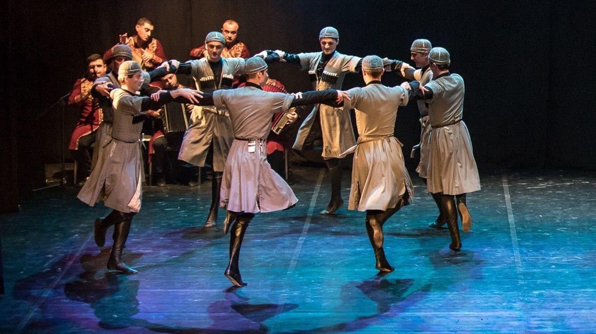 Государственный ансамбль народной песни и танца Рустави - Sputnik Грузия, 1920, 29.09.2021