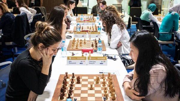 Женская сборная Грузии по шахматам в матче со сборной Венгрии - Sputnik Грузия