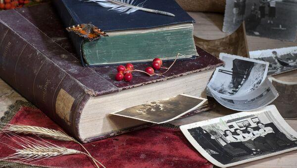 ძველი წიგნები და ფოტოები - Sputnik საქართველო